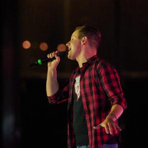 """L'ospite della puntata di """"Riflettore"""" di venerdì 25 settembre è il cantante Daniele Zossi, uno degli artisti protagonisti di """"This Is Groove"""", lo show di musica e danza andato in scena alla Fiera di Udine lo scorso 18 settembre e trasmesso in diretta su Radio Gioconda"""