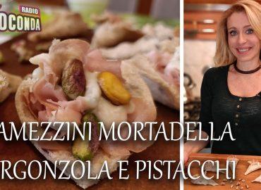 Tramezzini con Mortadella, Gorgonzola e Pistacchi