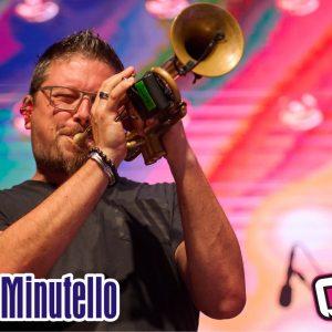 """L'ospite della puntata di venerdì 17 settembre di """"Riflettore"""" è Francesco Minutello, trombettista apprezzato su tutto il territorio nazionale. Nato a Latisana, Francesco ha all'attivo diverse produzioni discografiche che spaziano dal jazz al pop, dalla classica al funk, sia in qualità di leader e solista sia in sezione. In ambito """"pop"""" ha collaborato con i cantanti italiani Marco Mengoni, con il quale ha partecipato ai tour """"#MengoniLive2015"""", """"MTV World Stage 2015"""", #MengoniLive2016, e Giorgia per """"Oronero Live Tour 2018"""" e con il cantante inglese Mo Brandis (Incognito – italian tour 2017). Francesco Minutello lo scorso luglio, ha pubblicato il suo nuovo album da solista intitolato """"We live the present"""", che contiene 11 tracce. Il lavoro discografico è stato registrato e prodotto e in Friuli- Venezia Giulia ed è disponibile su tutte le piattaforme musicali digitali."""