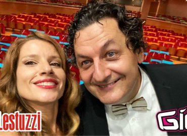 """Venerdì 24 settembre a """"Riflettore"""" Linda Fiore ospiterà Nevio Lestuzzi, direttore artistico di Percoto Canta, il concorso canoro che andrà in scena nella sua 34a edizione il prossimo 25 settembre al Teatro Nuovo Giovanni da Udine. Sul palco si sfideranno: - Categoria Junior Paola Damiani (Bergamo) - AT LAST, Andrea Brisotto (Fossalta di Piave - TV) - CAMBIARE - Categoria Cantautori - Brani Inediti Luca Vidale (Lozza - VA) - VIVIMI DI PIU', Federica Copetti (Osoppo - UD) VENTO E POLVERE, Margherita Pettarin (Gorizia) EMPATIA, Lorenzo Cittadini (Salgareda - TV) SOFIA. - Categoria Senior Giulia Di Sarò (Ferrara) DON'T RAIN ON MY PARADE, Michael Cantos (Udine) PROTEGGITI DA ME, Marta Piras (San Donà di Piave - VE) IL GUSTO DELLE COSE, Alessandra Mineo (Udine) ROYALS, Vincenzo Cantiello (Sant'Irpino - CE) VOCE, Costanza Gallini (Udine) THINK. Percoto Canta"""
